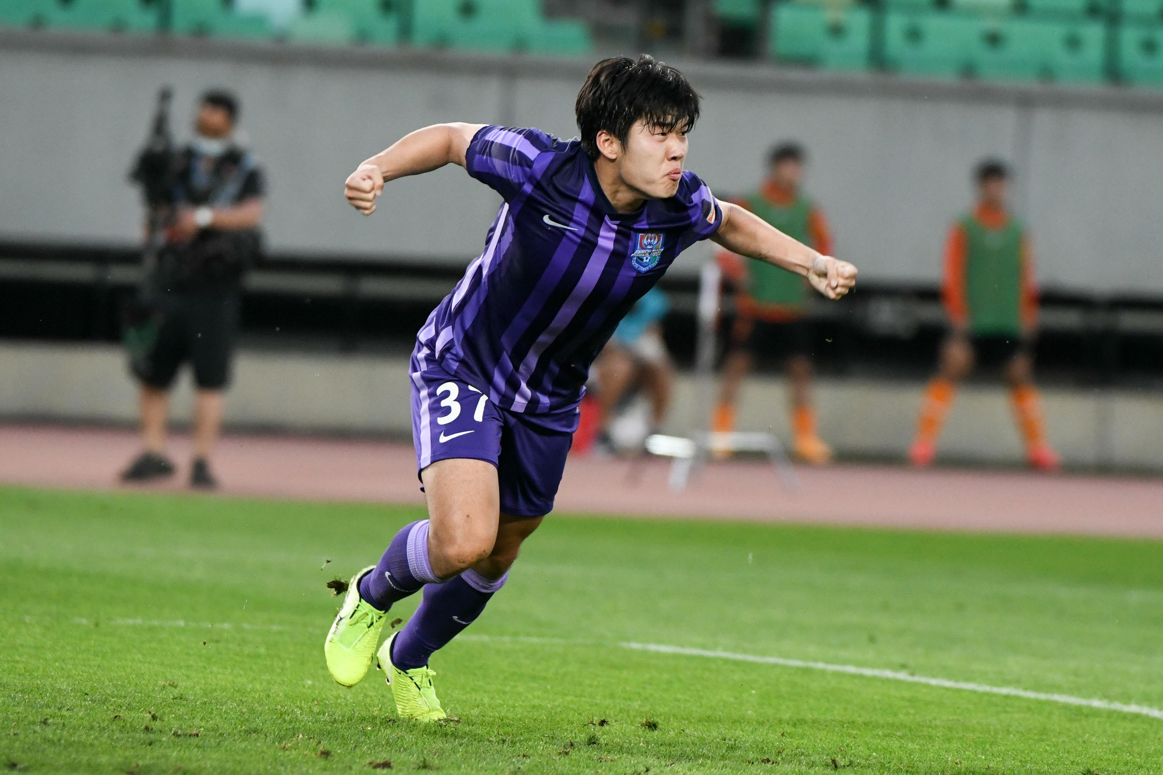 20岁130天,杨梓豪成津门虎及前身第11年轻顶级联赛进球球员