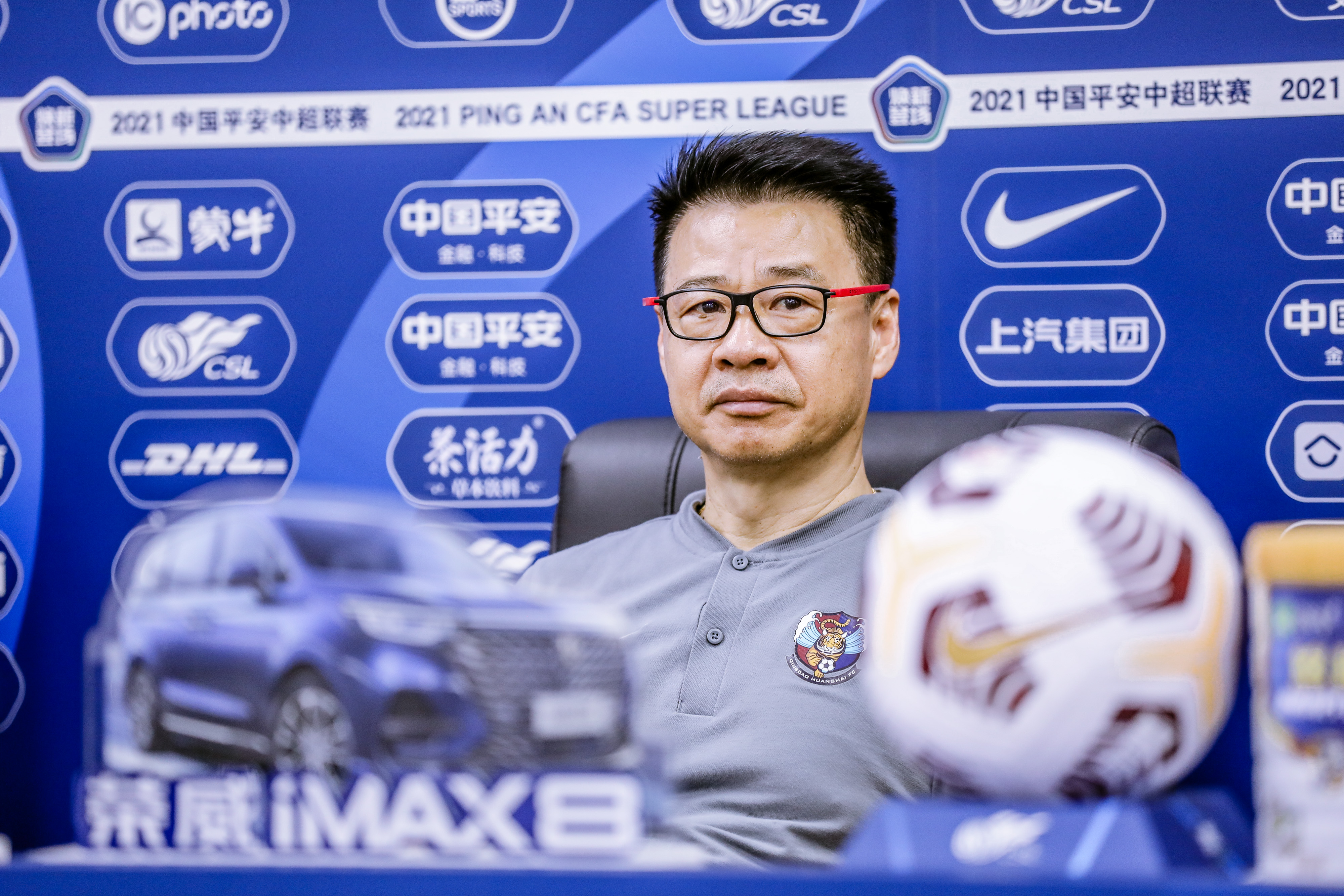 吴金贵:失去外援让球队实力与对手有差距,球员尽力了