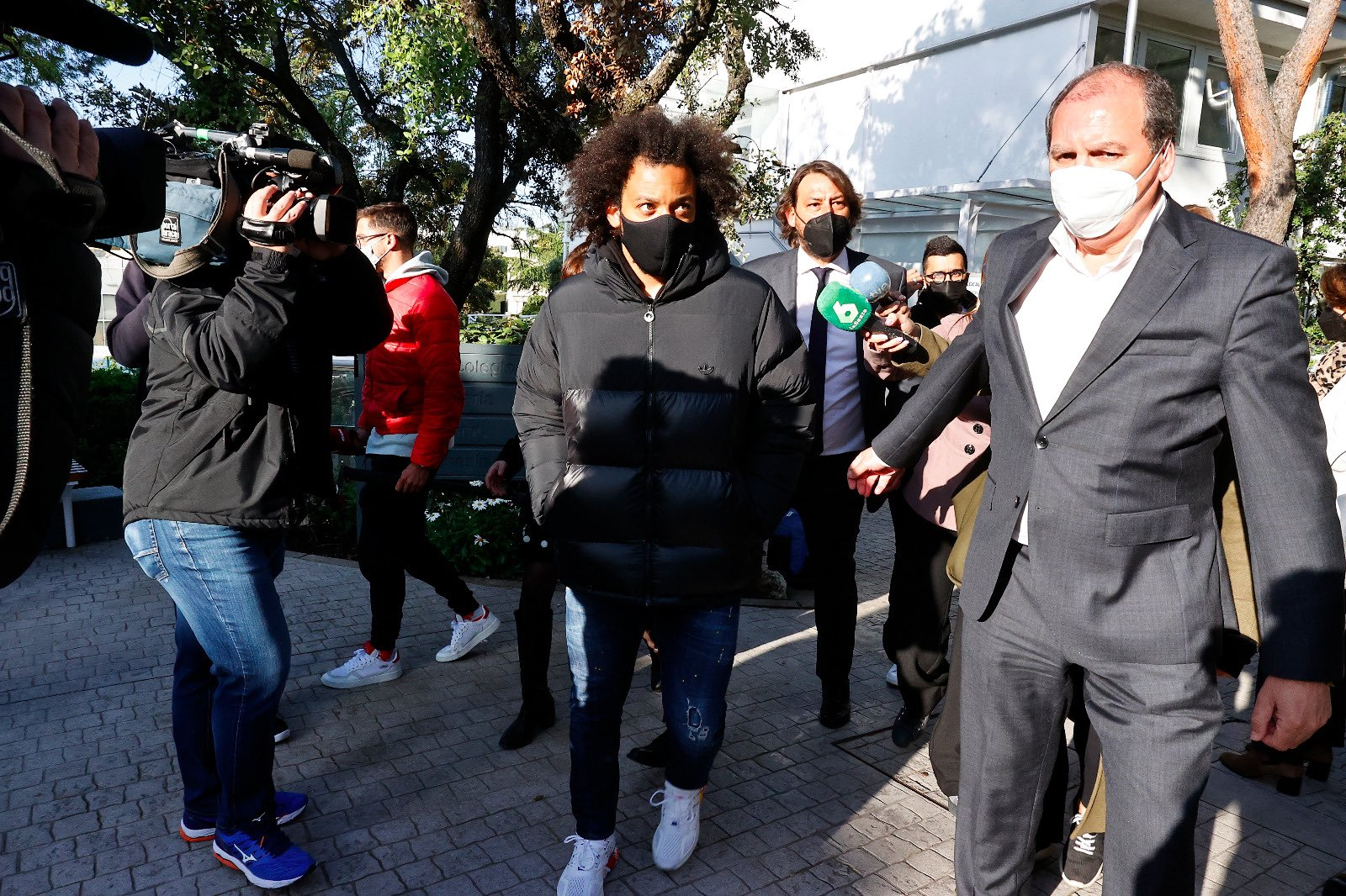 马塞洛抵达社区投票点进行选举服务,逗留1小时后离开
