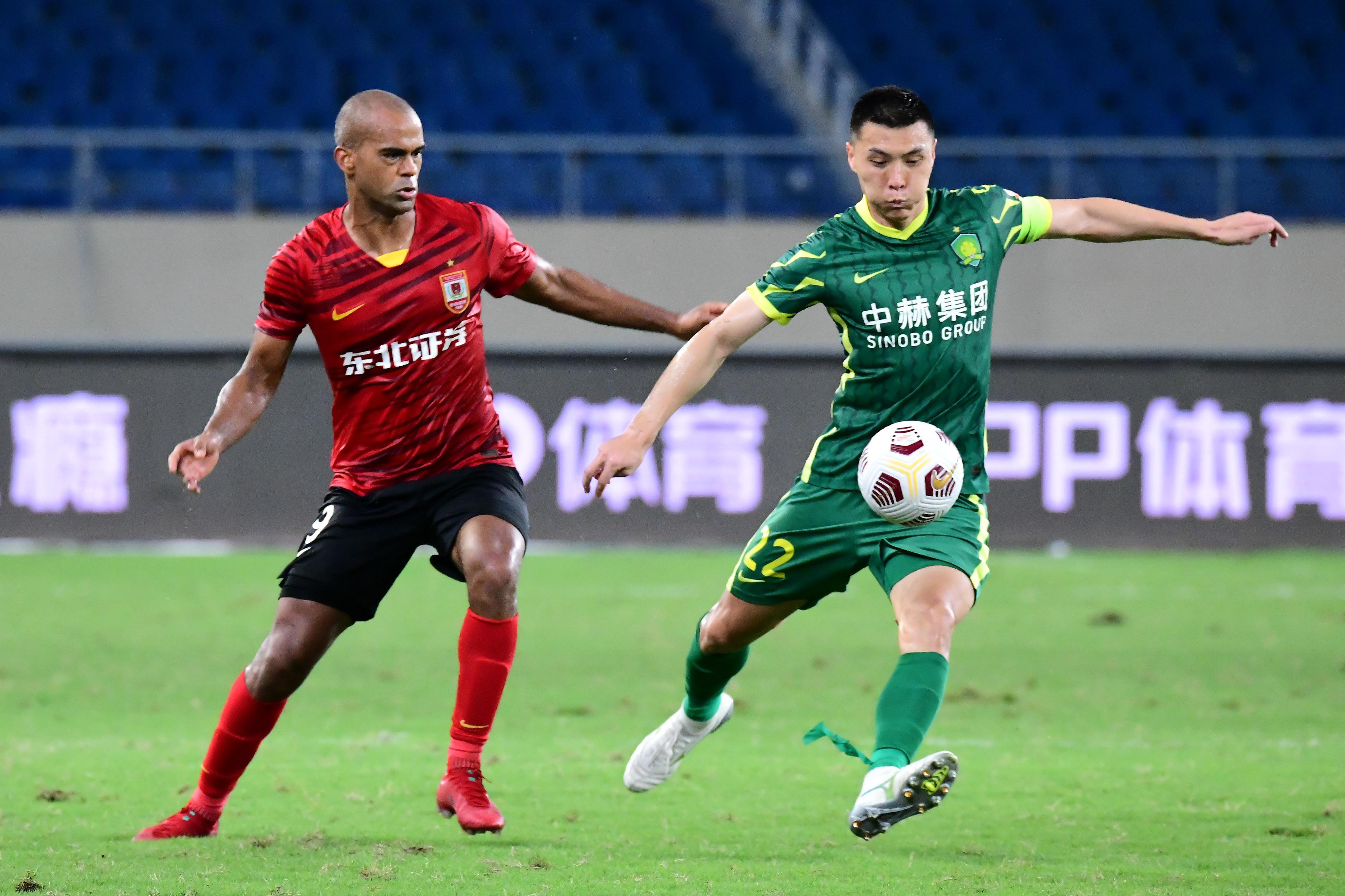 儒尼奥尔:给自己中超首阶段打9分,主教练陈洋对足球疯狂