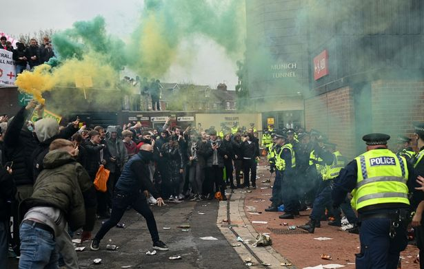 曼联球迷:一切才刚刚开始,未来几周还会有更多抗议活动