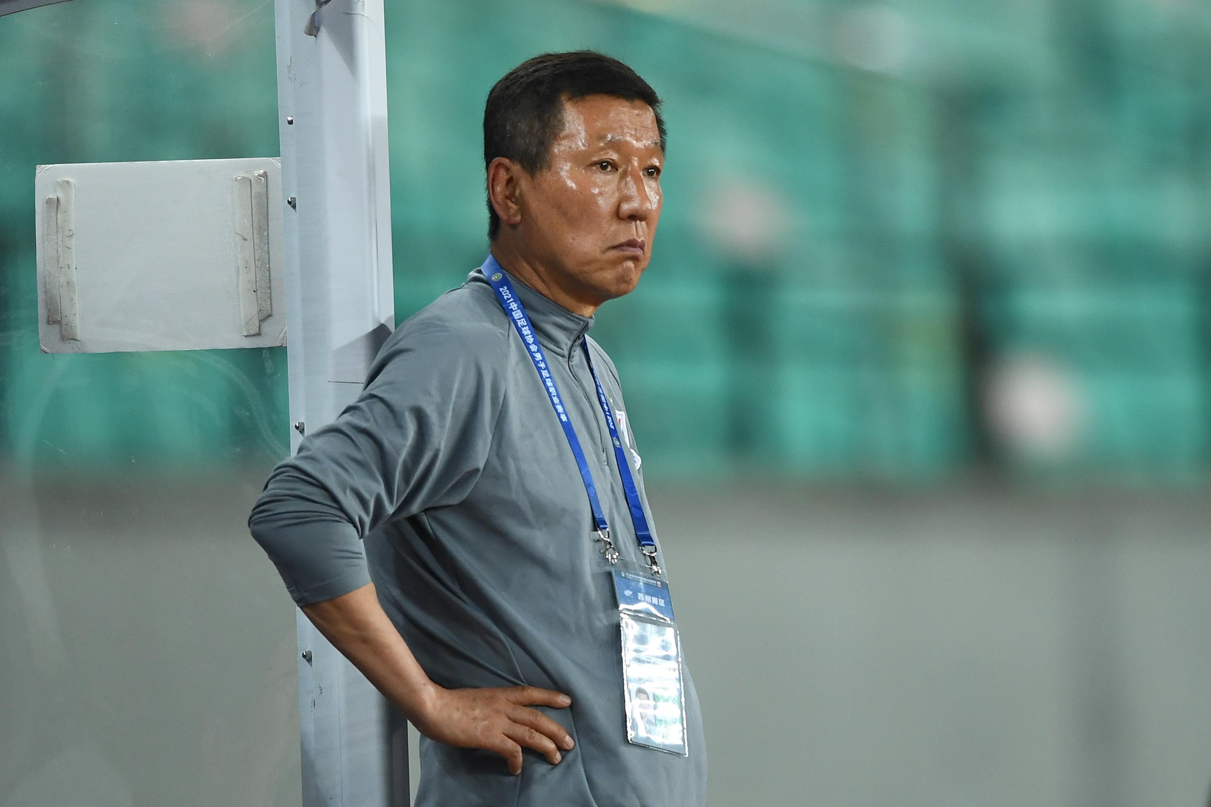 媒体人:申花始终坚定支持并且信任主教练崔康熙