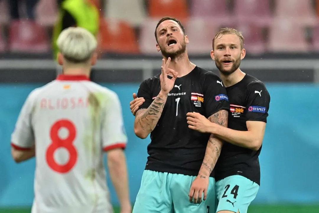 《足球》报评欧洲杯中超众将表现:阿瑙出彩丹尼尔森黯淡