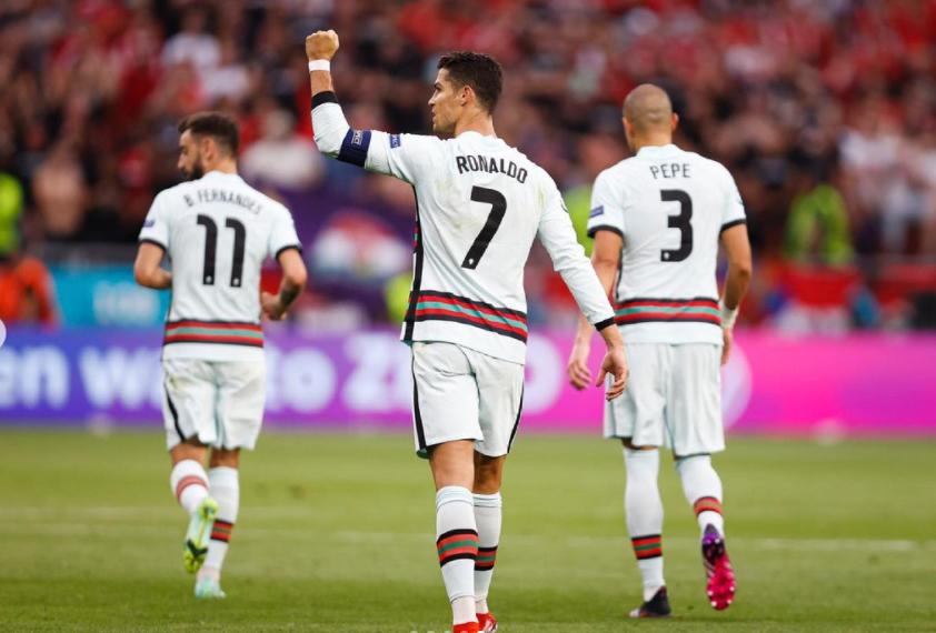 C罗:没有哪场比赛是能轻松获胜的,葡萄牙得全力以赴