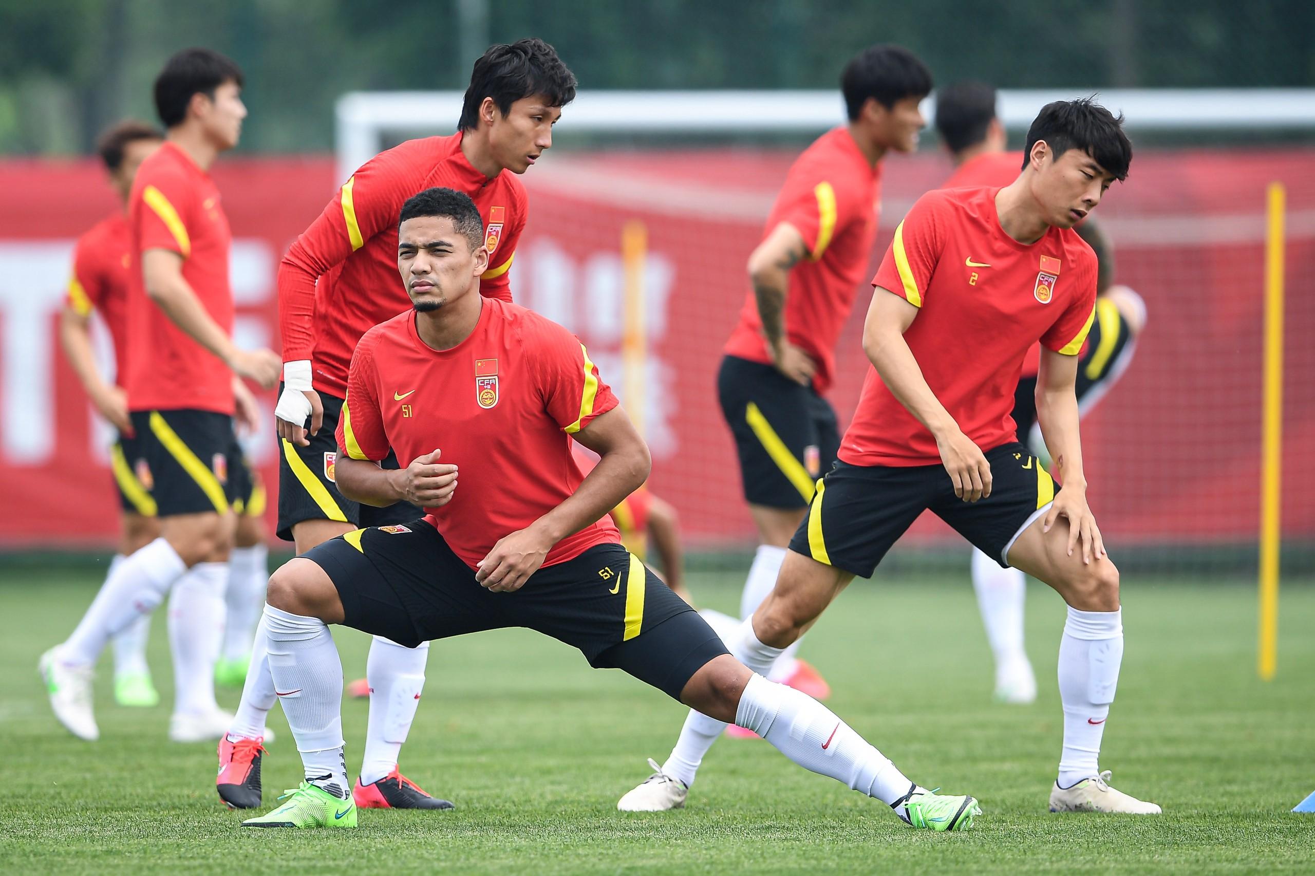 北青:国足训练强度有所减弱,避免疲劳过度导致非战斗减员
