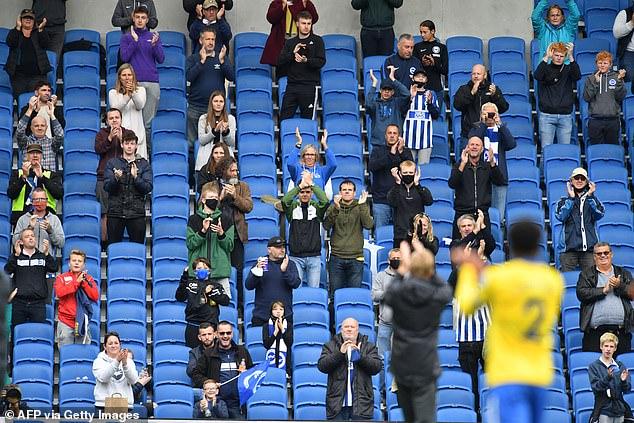 邮报:球迷12月入场观赛将禁止助威呐喊、唱歌以及饮酒