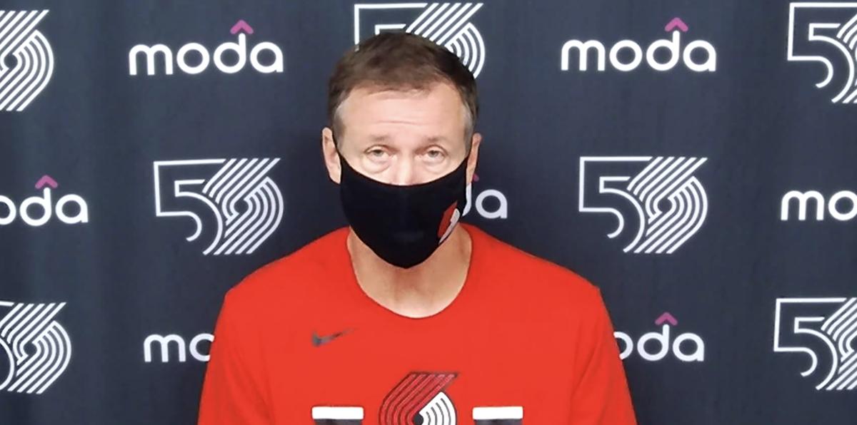斯托茨:就算联盟不要求戴口罩我也会戴,所有人都应如此