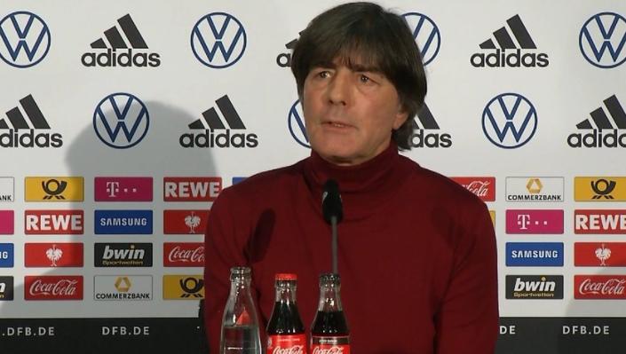 勒夫谈世预赛对阵:罗马尼亚很年轻,冰岛的氛围很好
