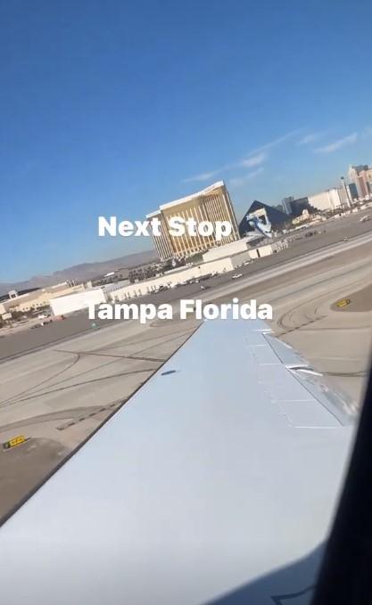 诺曼-鲍威尔Ins晒飞机起飞照片:下一站佛罗里达州坦帕