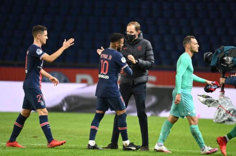 队报:巴黎球员以为换帅时机不对,图赫尔的下课让他们惊讶