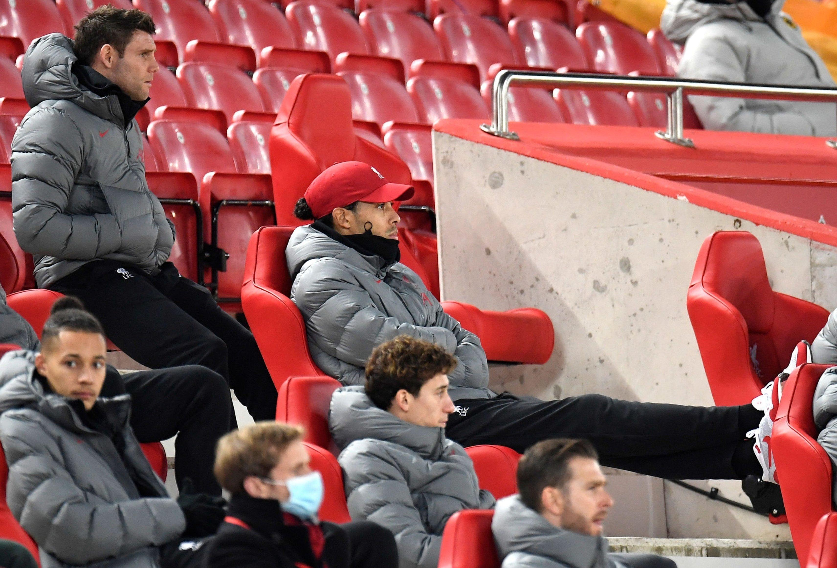支持队友!范戴克现身安菲尔德球场,观看利物浦vs狼队
