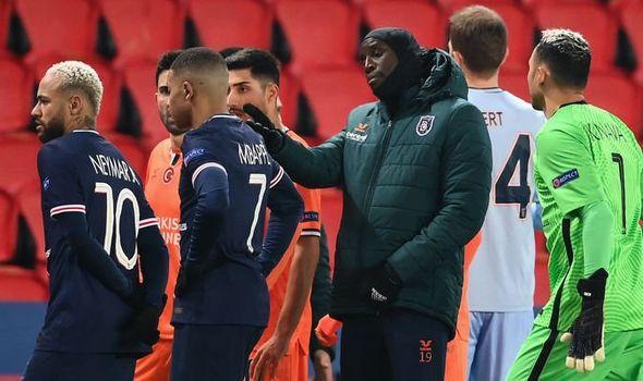 欧足联官方:巴黎与伊斯坦布尔比赛延期至明晨1点55分开球