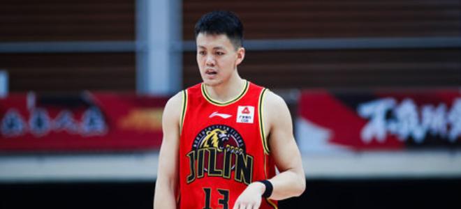 姜宇星出战40分钟,砍下21分7篮板7助攻