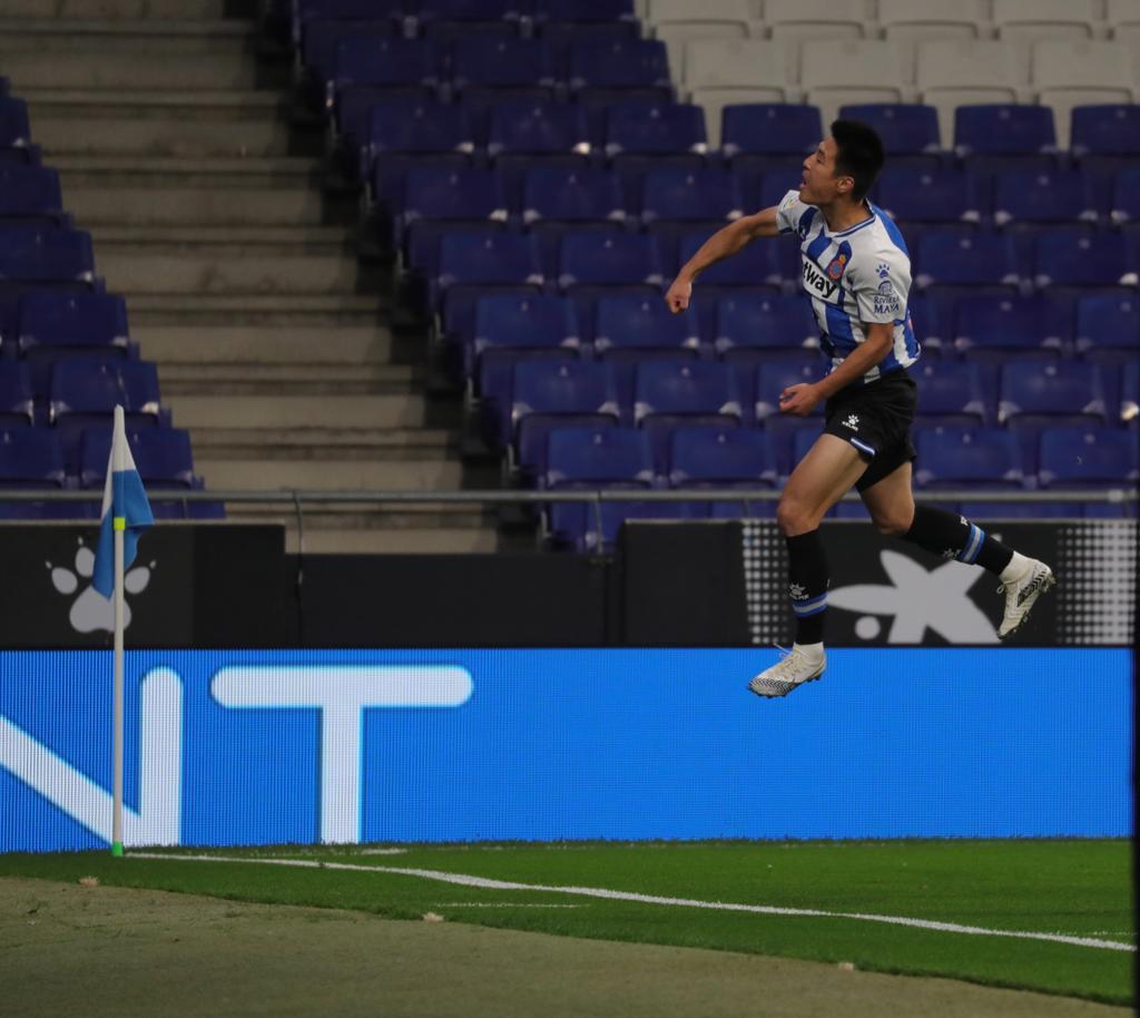 西班牙人推特赞武磊:7号本赛季第二粒进球来得正是时候!