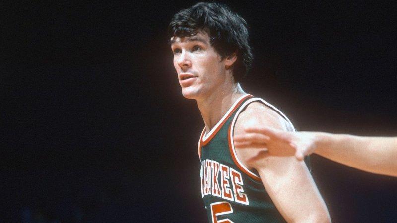 自ABA和NBA吞并以来只有6位球员曾在单场竞赛中得到过至少30分30篮板