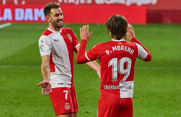 半场:莫雷诺破门恩巴尔巴中柱,吉罗纳1-0西班牙人