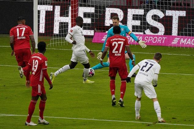德甲联赛第十九轮,拜仁慕尼黑主场迎战霍芬海姆
