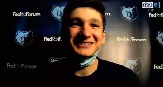 格雷森-阿伦:球队有一些球员因伤缺席,其余人必须挺身而出