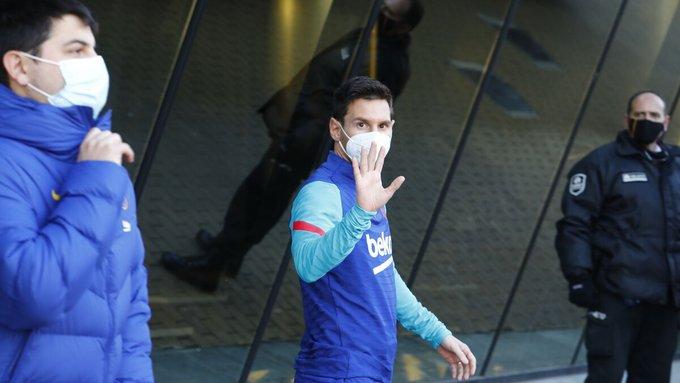 梅西缺席今天巴萨训练,晚上超级杯能否出战成疑