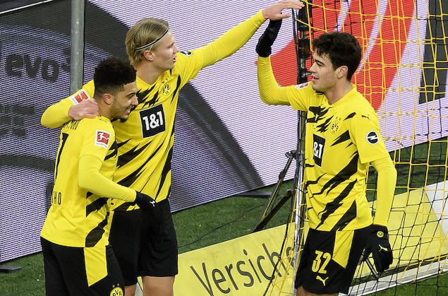 全场竞赛结束,多特主场3-1逆转打败奥格斯堡