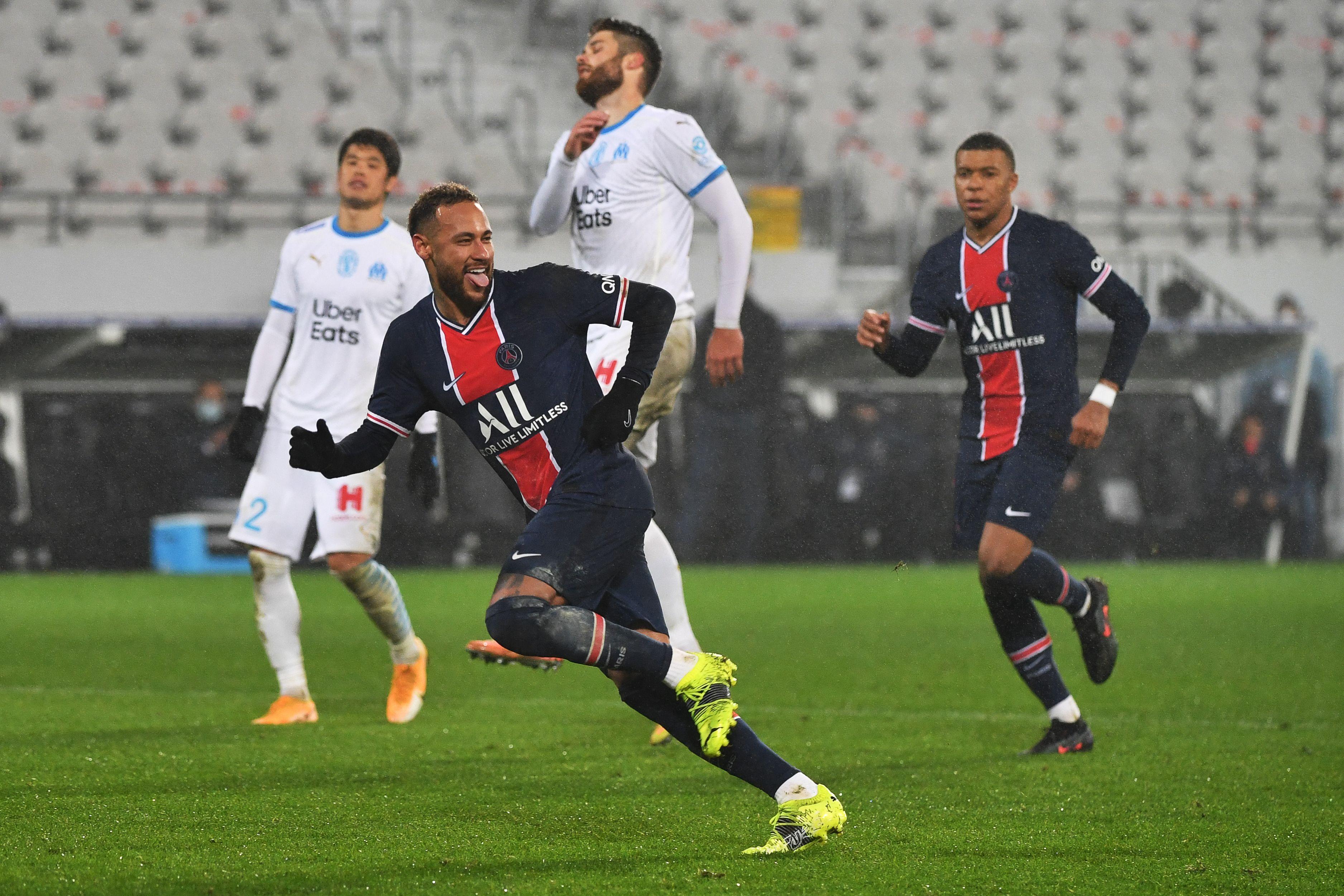 GIF:伊卡尔迪造点内马尔命中,巴黎锁定胜局