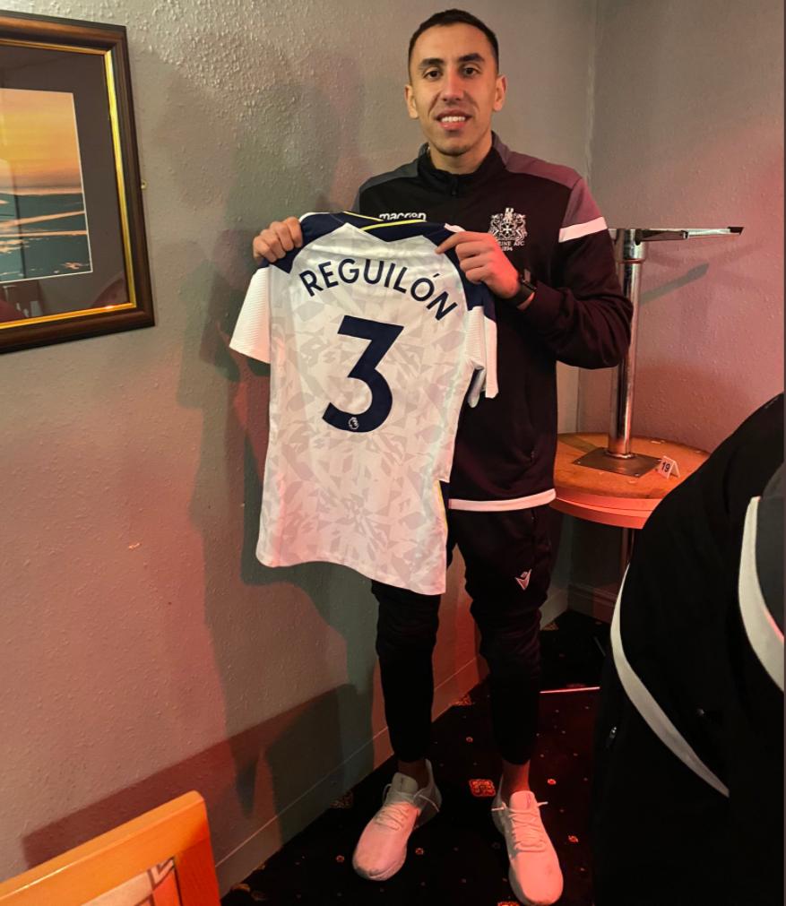 海运联球员感谢雷吉隆送签名球衣,后者转发:很棒的经历插图