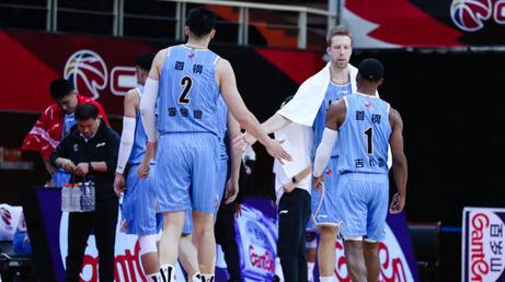 全面压制!北京半场79分创赛季新高,篮板、助攻均领先江苏