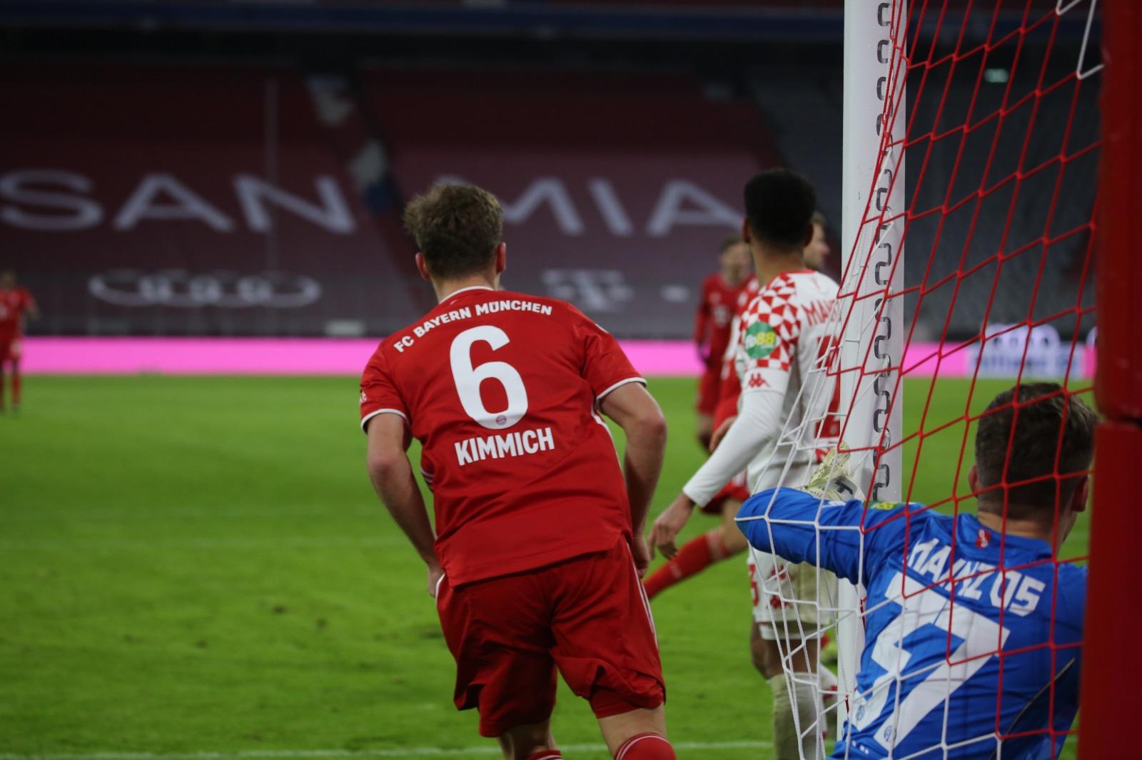 动图表情包:莱万基米希头球障碍赛破门,拜仁扳回一城