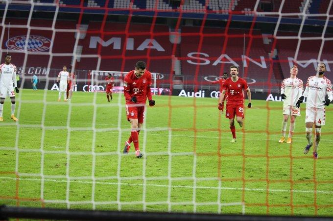 GIF:格纳布里造点莱万命中,拜仁扩大领先插图