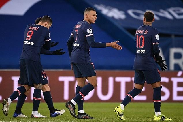 姆巴佩2射1传内马尔百场破门,巴黎4-0十人蒙彼利埃