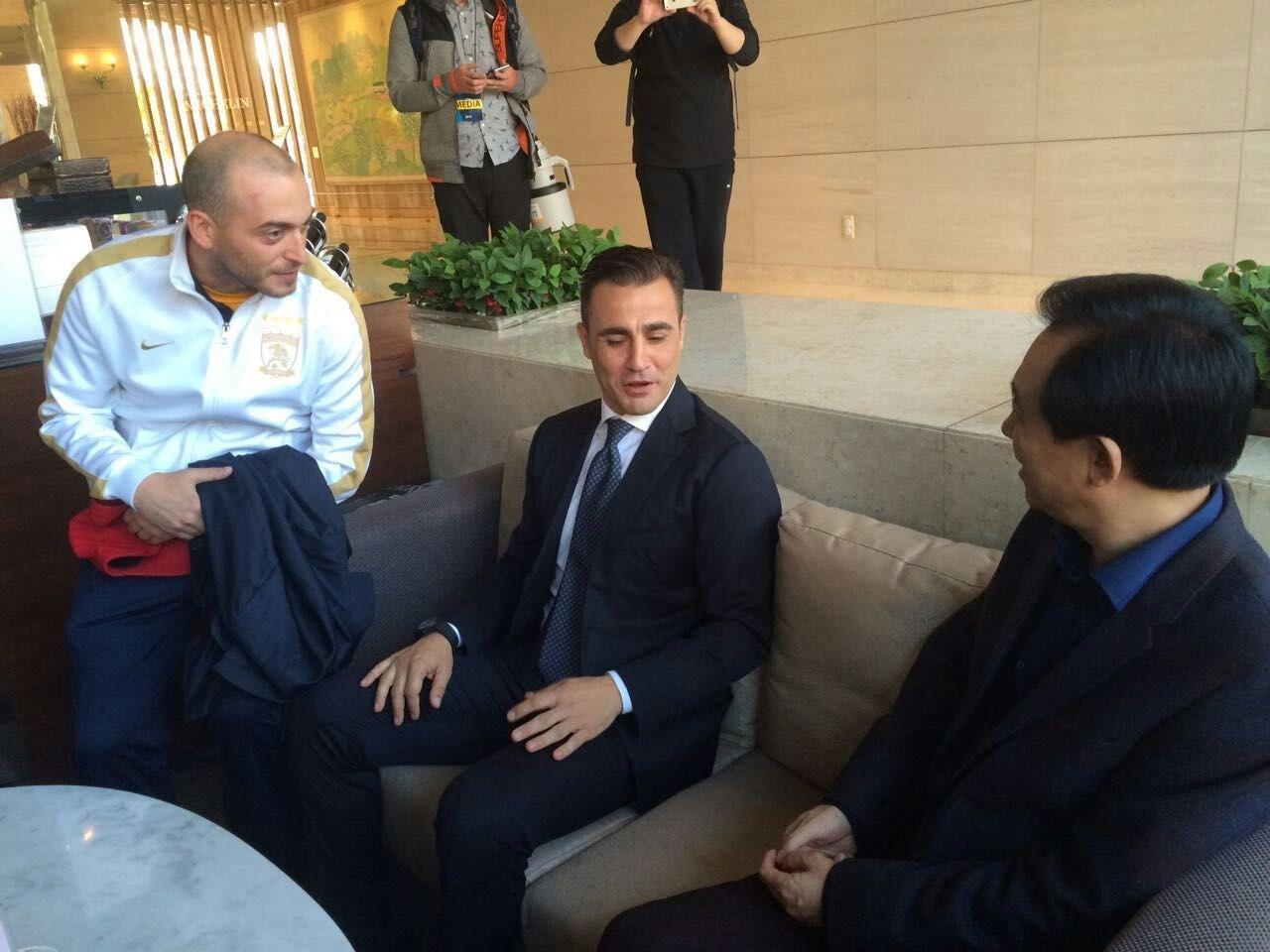 粤媒:卡纳瓦罗帅位危机解除,两边对未来方针有清晰共识
