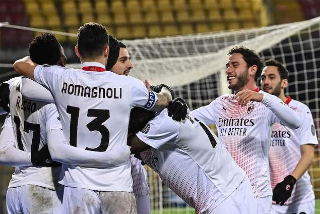 莱昂凯西破门托纳利染红,米兰客场2-0贝内文托领跑意甲插图