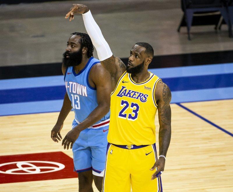 著名体育节目主持人尼克·赖特在节目中评论了詹姆斯·哈登对篮网的交易