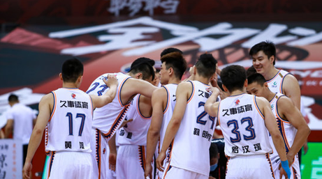 全队6人得分上双,上海收获6连胜升至积分榜第11位