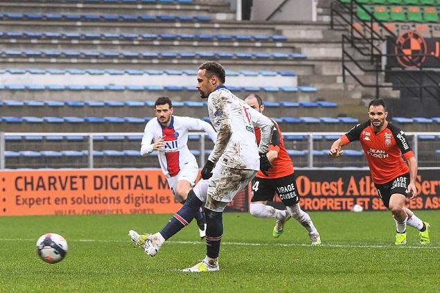 内马尔梅开二度莫菲绝杀,巴黎客场2-3洛里昂跌至联赛第二