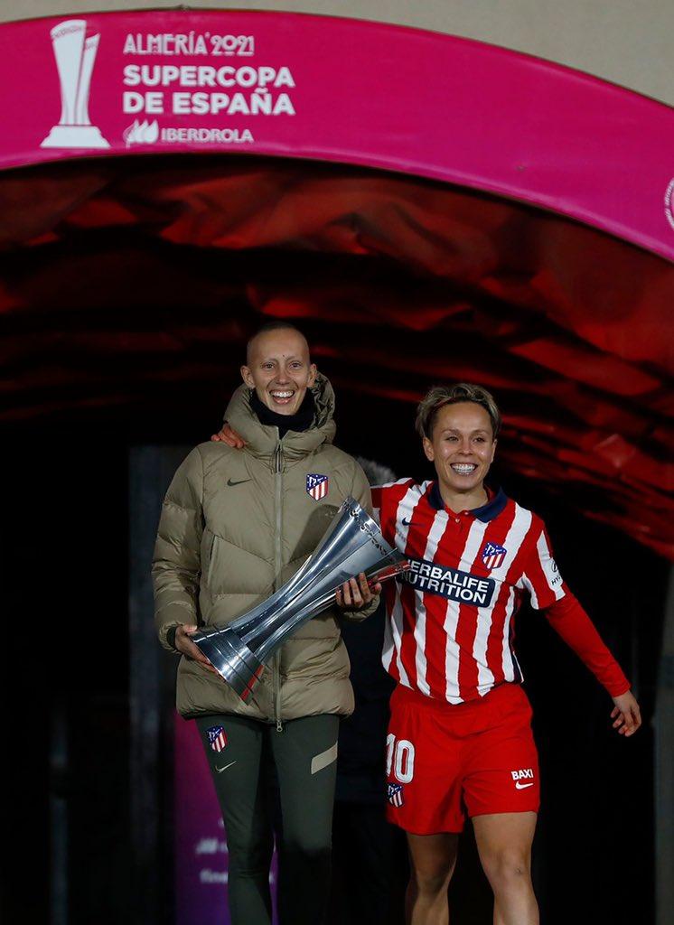 女足西超杯马竞3-0莱万特夺冠,将冠军献给与病魔抵挡队员