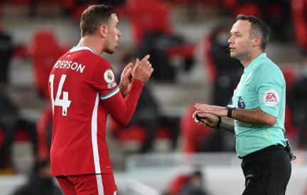 克拉滕伯格:双红会裁判半场哨吹早了,利物浦还在进攻