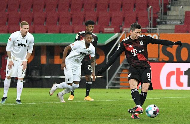 半场:卢卡斯造点莱万点射+中柱,拜仁客场1-0奥格斯堡