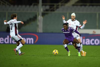 GIF:扳平比分!库阿梅远射破门,国米1-1佛罗伦萨