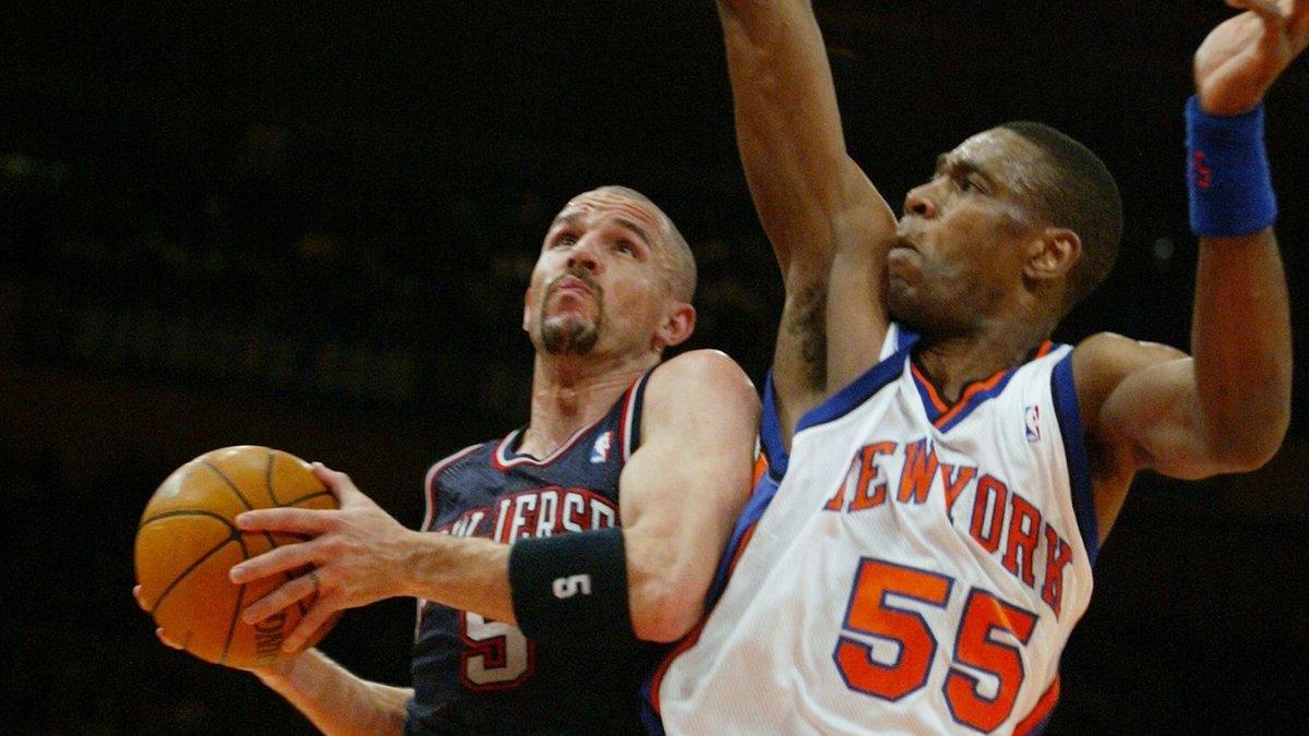 2004年的今天穆托姆博成为NBA年纪最大单场送出10盖帽的球员