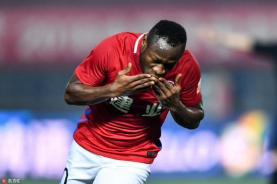 足球:巴索戈加盟申花仅差官宣,签阿德里安难度较大