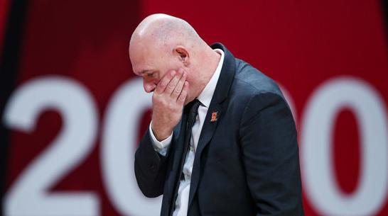 上海曾在对阵同曦的竞赛中呈现30次失误,在对阵广厦的竞赛中呈现32次失误