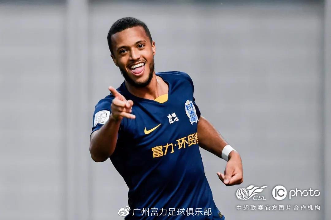 日夫科维奇:偶像是C罗,期望未来能为中国联赛