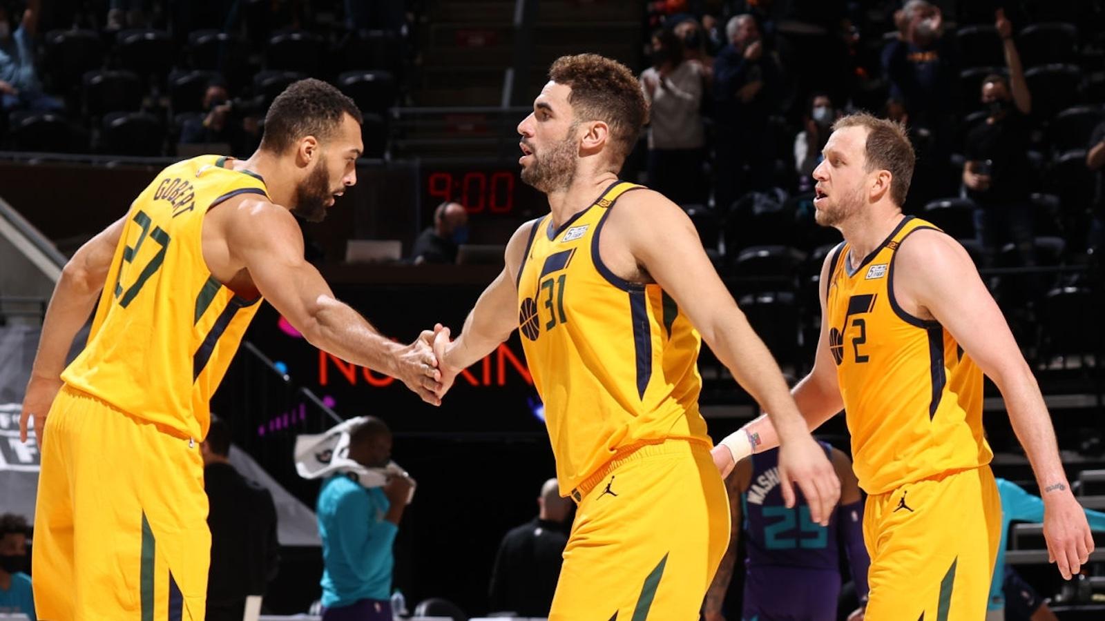 爵士前31场共有21场赢两位数,追平NBA历史记录