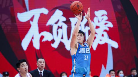 超级高效率!王庆明全场13投9中得到23分4篮板