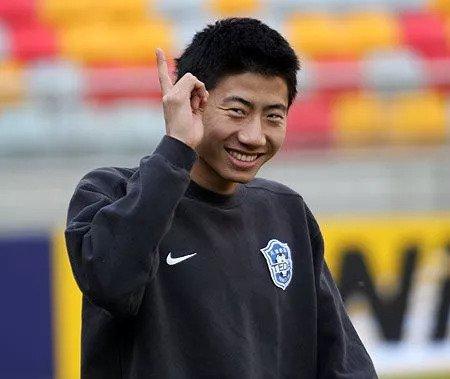 天津球迷问政板块留言:中超队都养不活,建议放弃亚洲杯