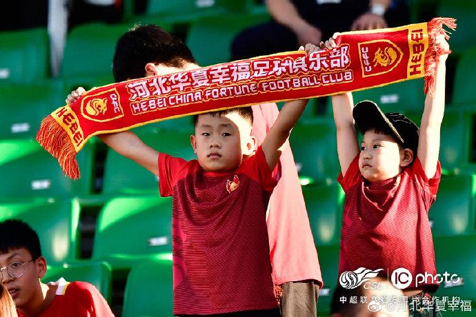 博主:华夏幸福是遇到困难,球队上下望与俱乐部共度难关