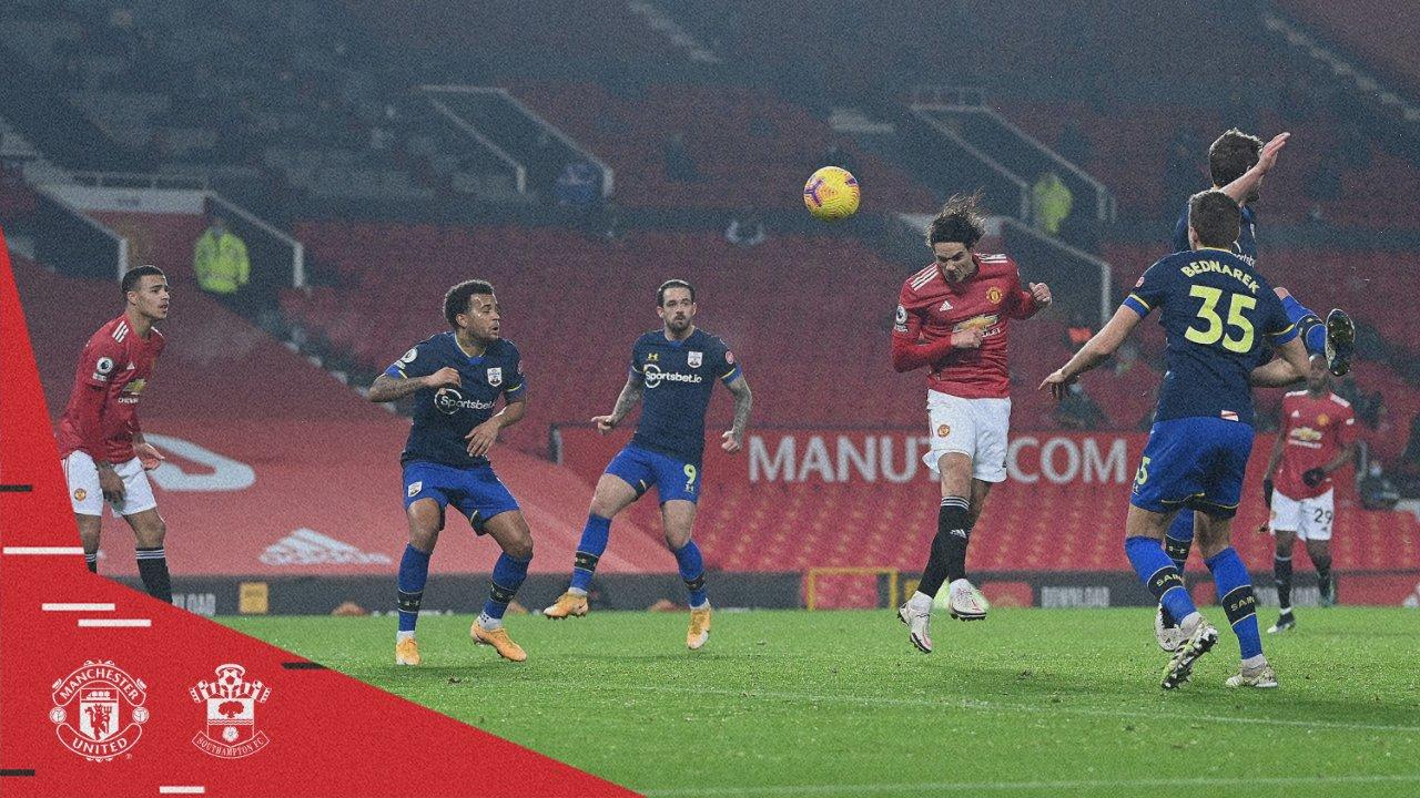 GIF:卢克肖助攻卡瓦尼头球破门,曼联四球领先