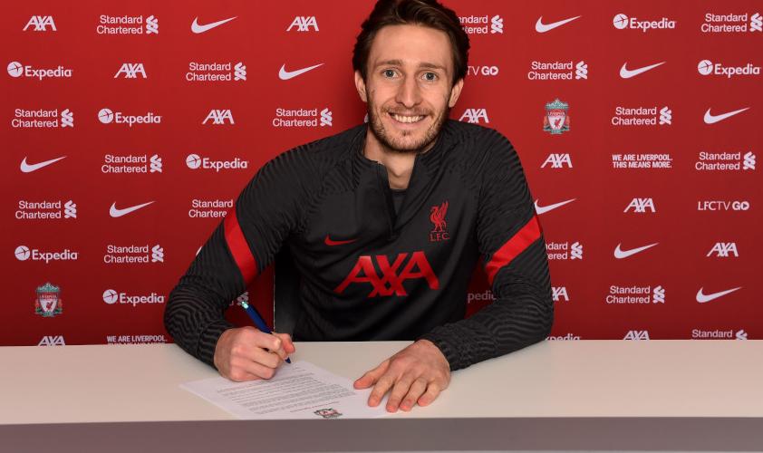 25岁的本-戴维斯和利物浦签下一份长约