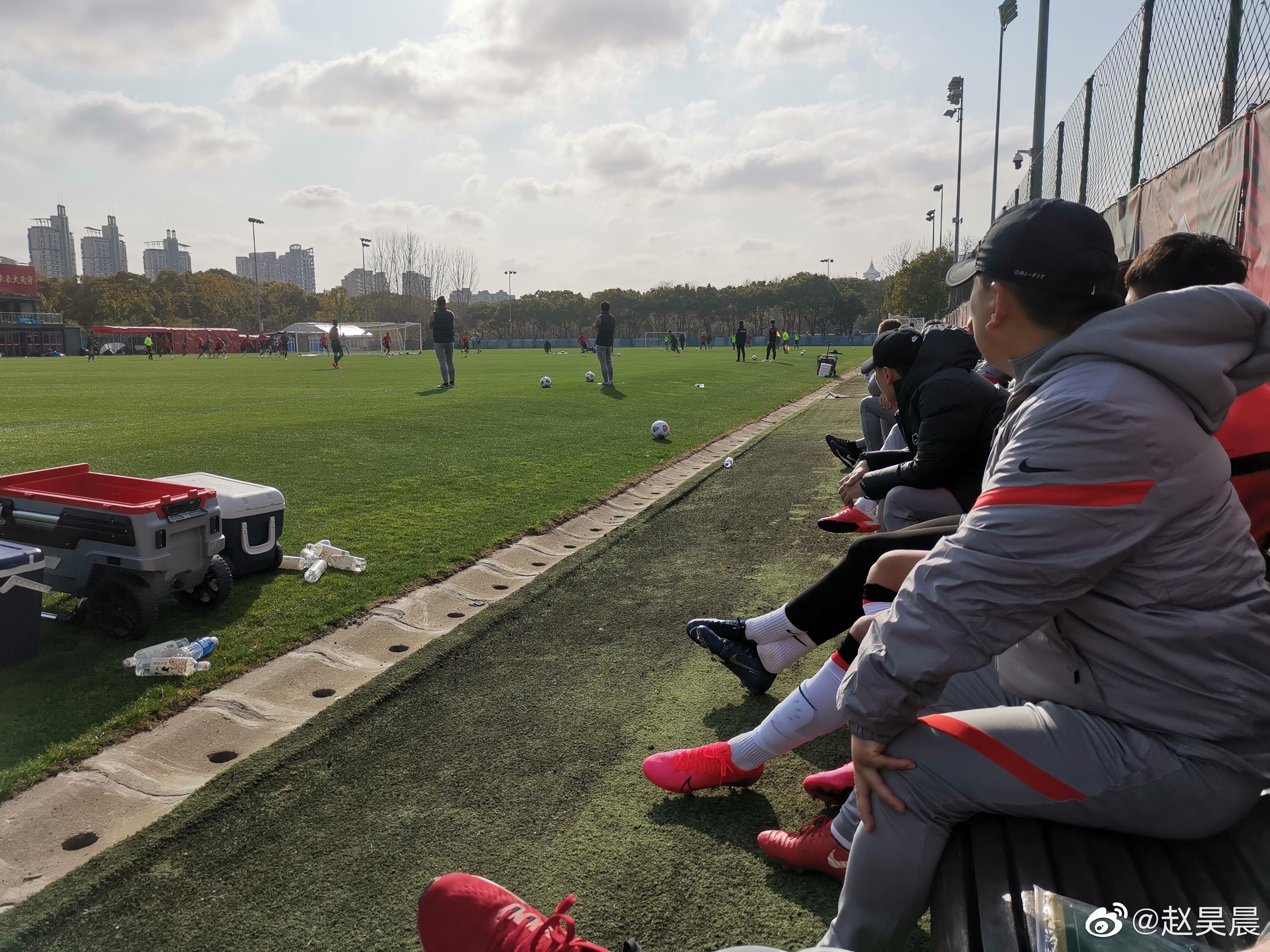 热身赛:阿瑙梅开二度李圣龙建功,上海海港3-2力克浙江绿城